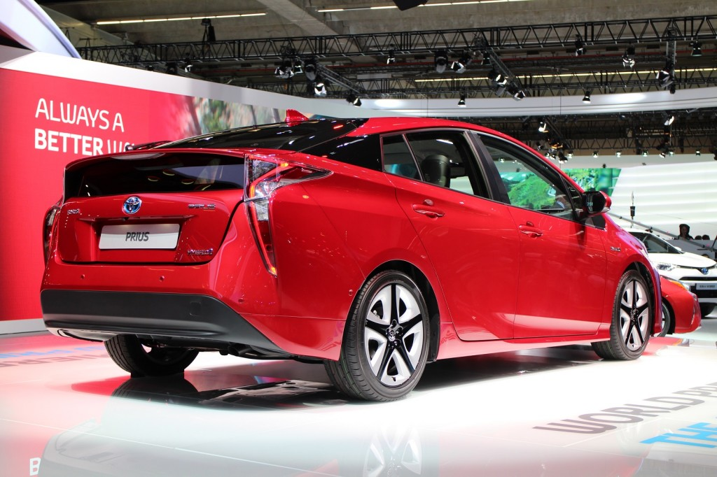 2016 toyota prius official auto show debut at frankfurt for What does a motor vehicle report show