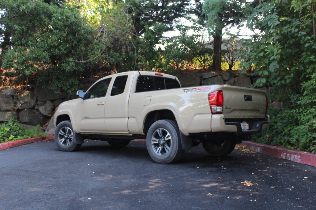 2016 toyota tacoma first drive. Black Bedroom Furniture Sets. Home Design Ideas