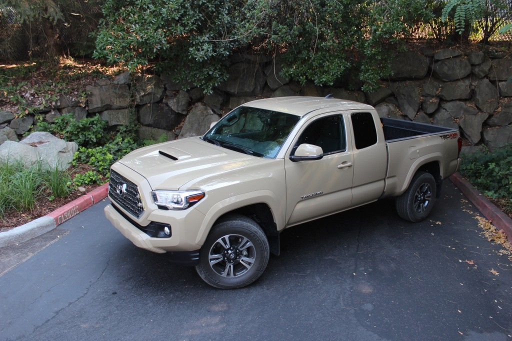 2016 toyota tacoma first drive page 2. Black Bedroom Furniture Sets. Home Design Ideas