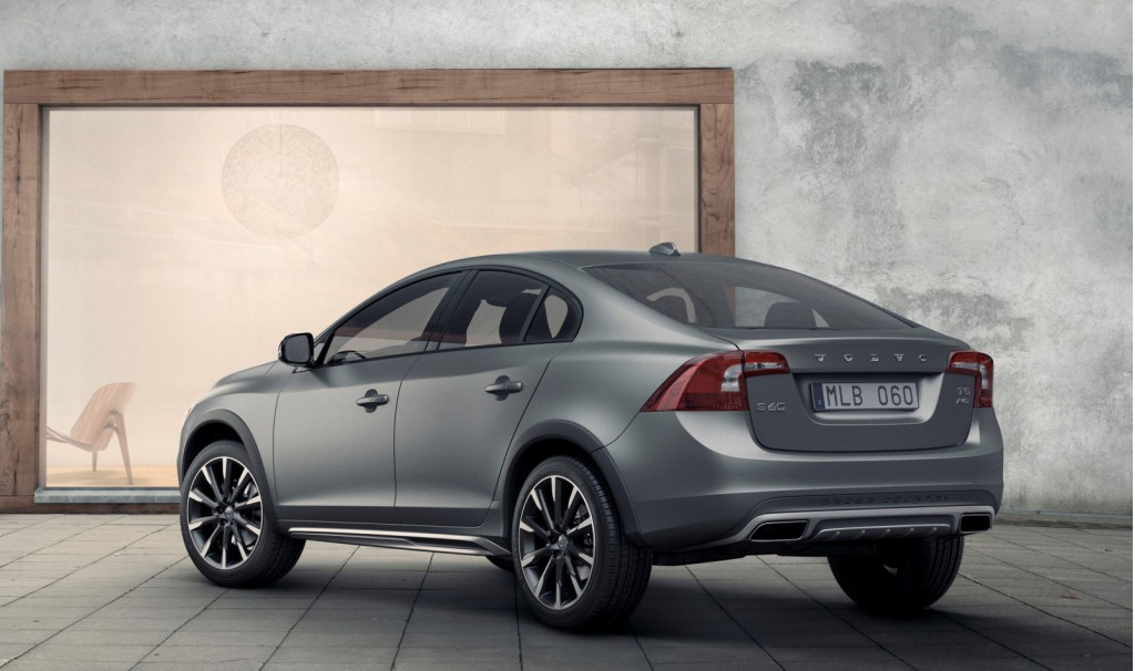 2016 volvo s60 cross country revealed ahead of 2015 detroit auto show. Black Bedroom Furniture Sets. Home Design Ideas