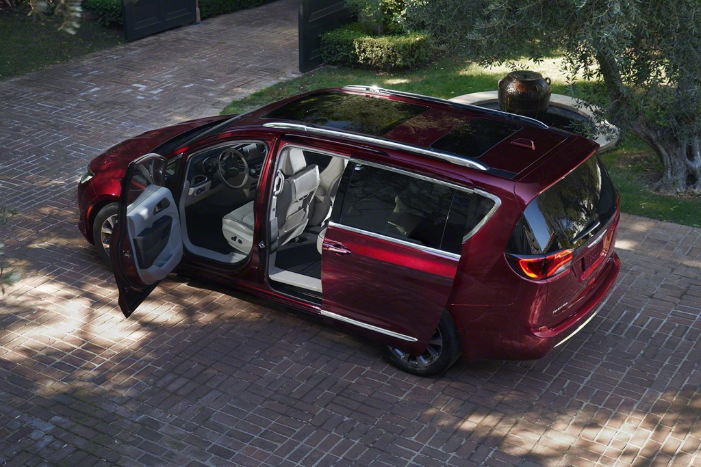 Image: 2017 Chrysler Pacifica, size: 1024 x 683, type: gif ...
