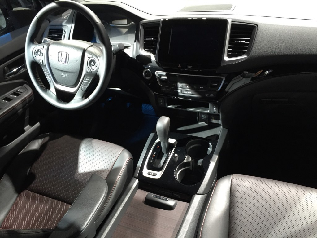 2014 honda odyssey video preview the car connection for Detroit auto show honda odyssey