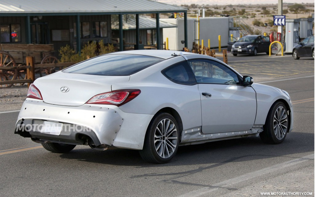 2017 hyundai genesis coupe spy shots. Black Bedroom Furniture Sets. Home Design Ideas
