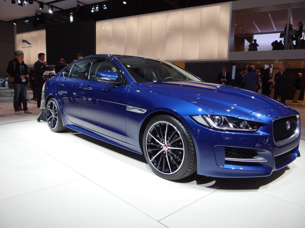 2017 jaguar xe pictures photos gallery the car connection. Black Bedroom Furniture Sets. Home Design Ideas
