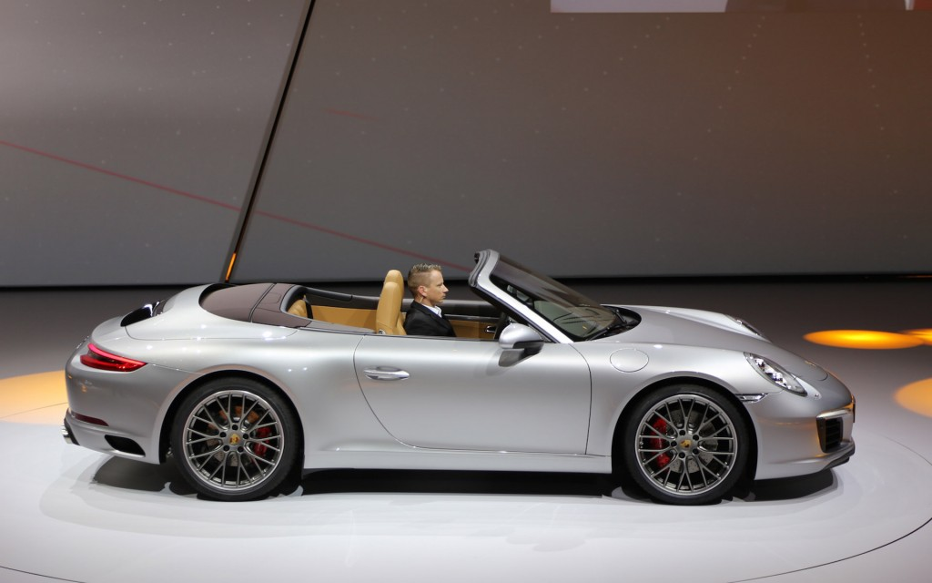 2017 porsche 911 carrera revealed with turbocharged engine higher price live photos video. Black Bedroom Furniture Sets. Home Design Ideas