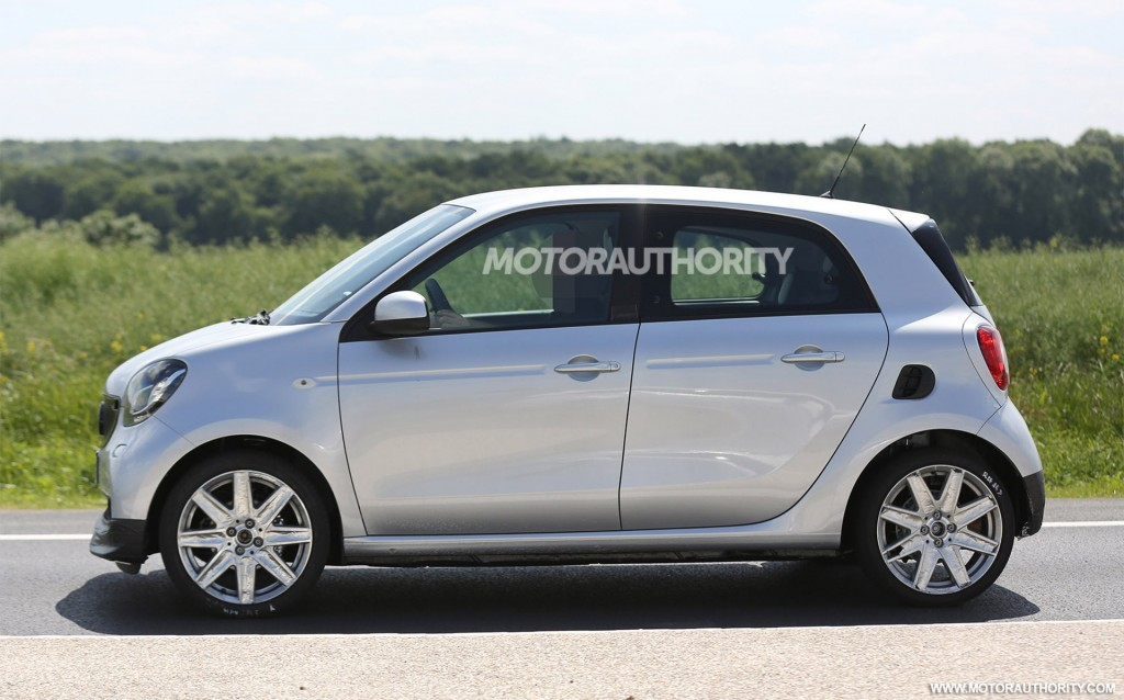 2016 smart forfour brabus spy shots. Black Bedroom Furniture Sets. Home Design Ideas
