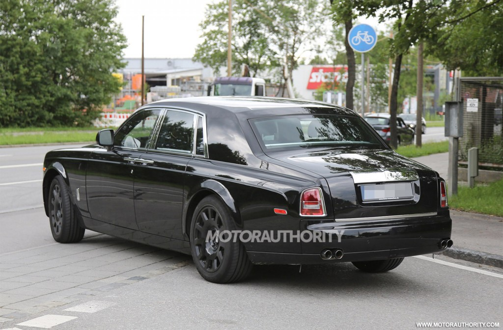 2018 rolls royce phantom spy shots. Black Bedroom Furniture Sets. Home Design Ideas