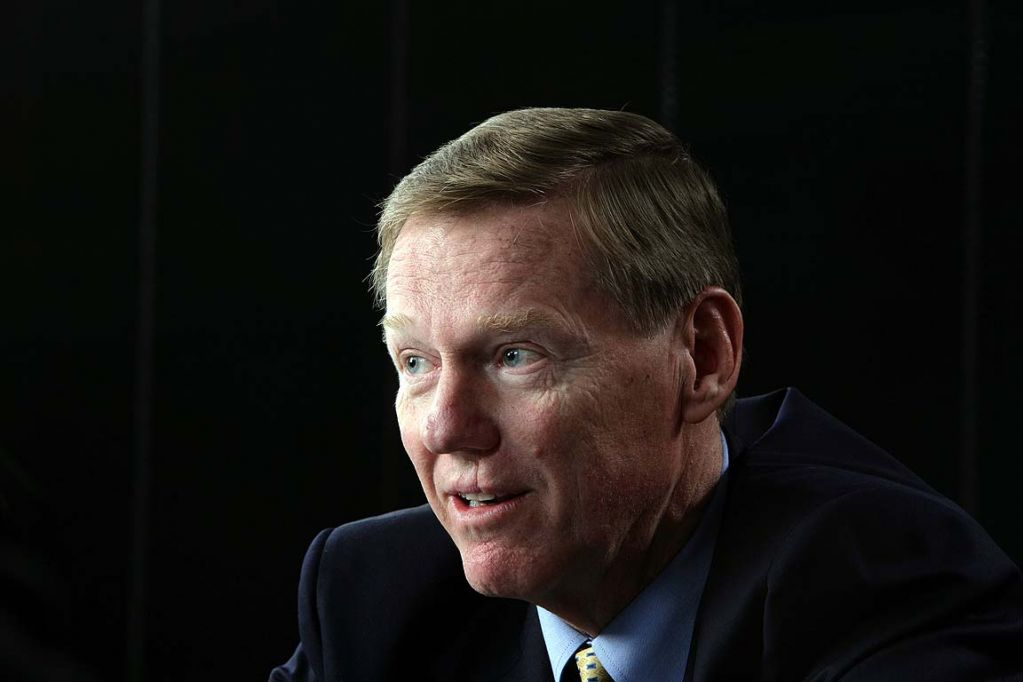Used Minivans For Sale Near Me >> Image: Alan Mulally, size: 1024 x 682, type: gif, posted ...