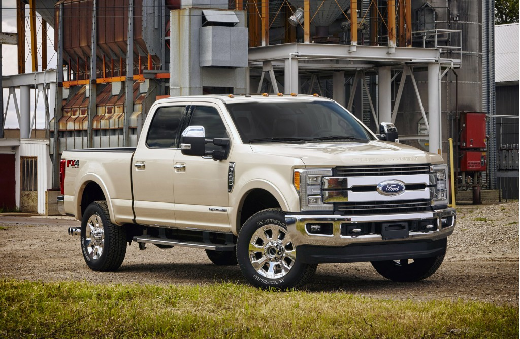 aluminum bodied 2017 ford f series super duty is ready to work. Black Bedroom Furniture Sets. Home Design Ideas