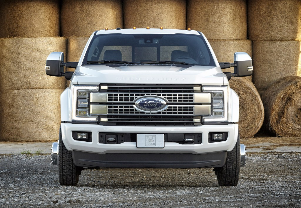 aluminum bodied 2017 ford f series super duty rolls in. Black Bedroom Furniture Sets. Home Design Ideas