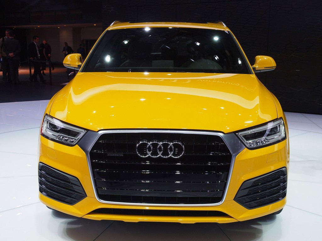 2016 audi q3 debuts at 2015 detroit auto show video. Black Bedroom Furniture Sets. Home Design Ideas