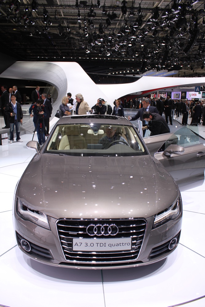 2010 paris auto show 2011 audi a7 live photos. Black Bedroom Furniture Sets. Home Design Ideas