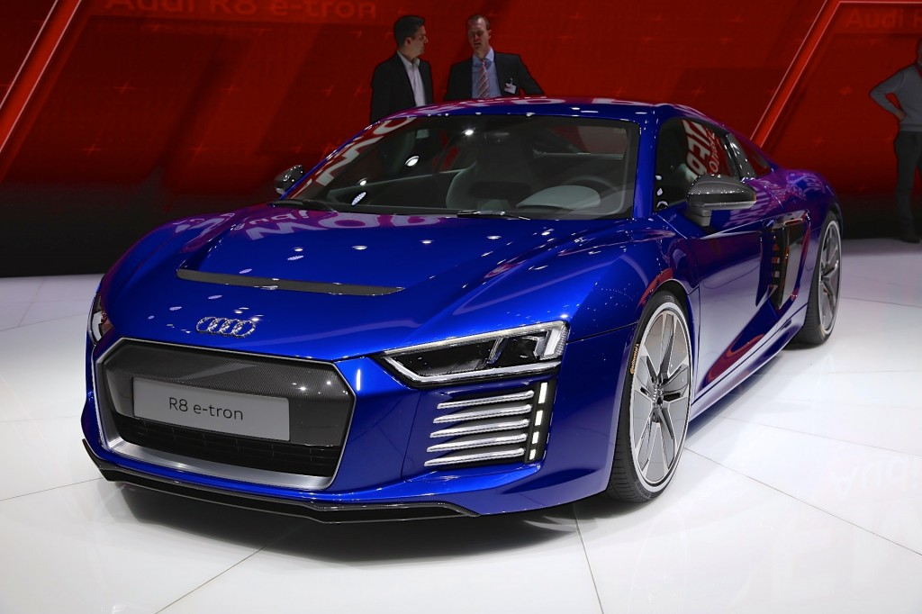2017 Audi R8 e-tron All-Electric Sports Car: Live Photos From ...