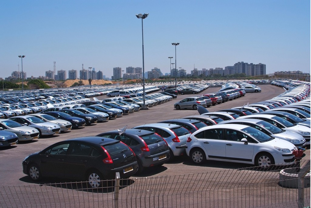 Image: View of unsold off-lease cars from Better Place ...