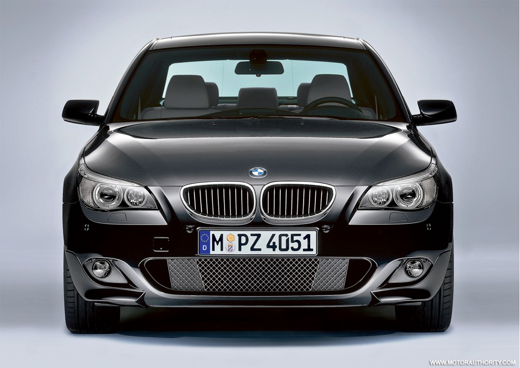 official info and pricing on bmw 39 s u s m sport packages. Black Bedroom Furniture Sets. Home Design Ideas