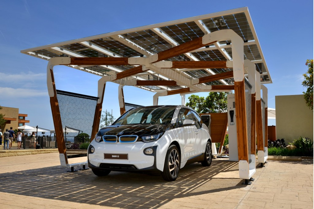 bmw designs custom solar charging station for i3 i8. Black Bedroom Furniture Sets. Home Design Ideas