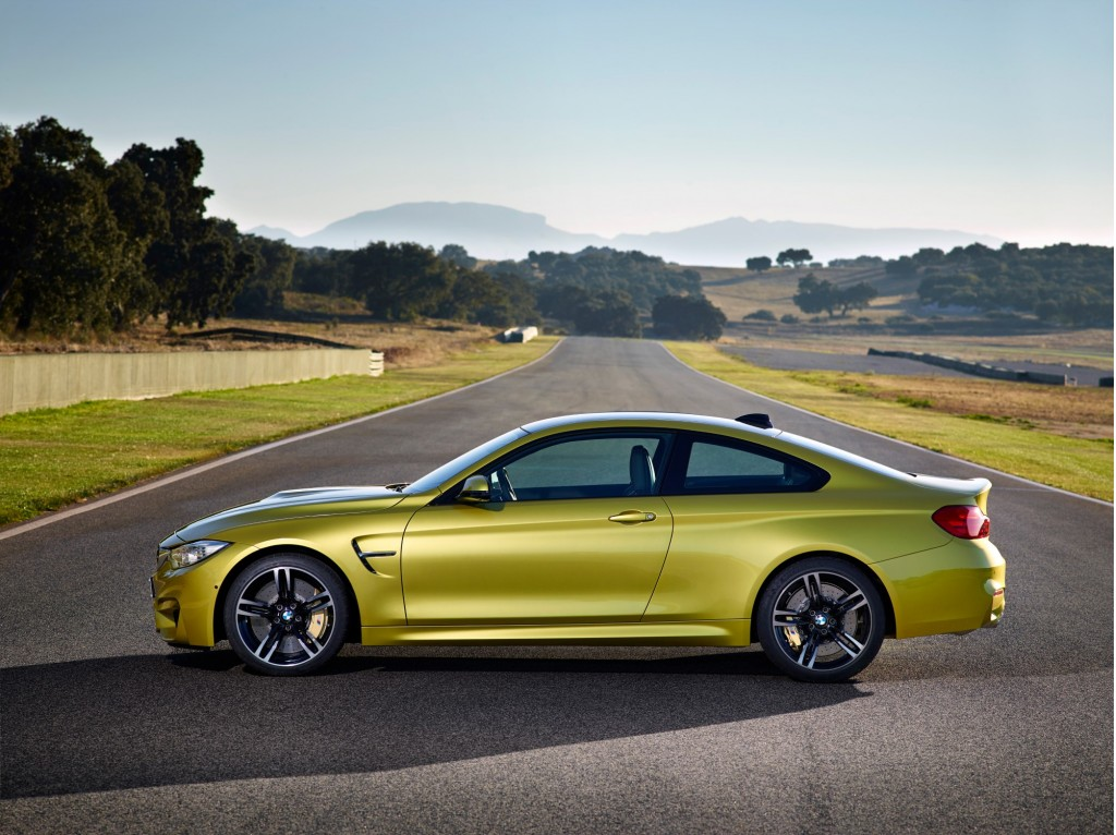 2015 Bmw M4 Unleashed On Brands Hatch Video