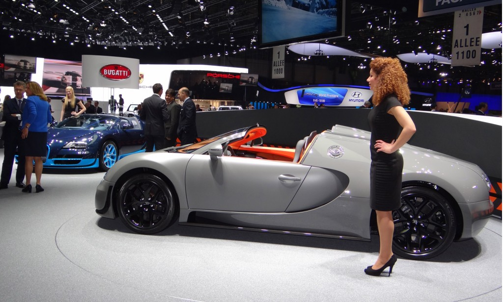 bugatti veyron grand sport vitesse live photos 2012 geneva motor show. Black Bedroom Furniture Sets. Home Design Ideas