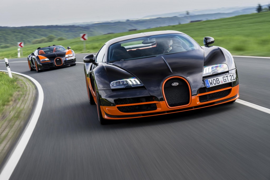 bugatti s two land speed record holders meet at the n rburgring. Black Bedroom Furniture Sets. Home Design Ideas