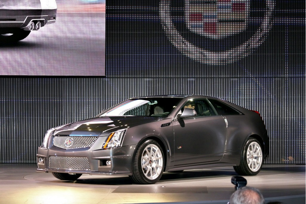 detroit 39 s best in show 2011 cadillac cts v coupe. Black Bedroom Furniture Sets. Home Design Ideas