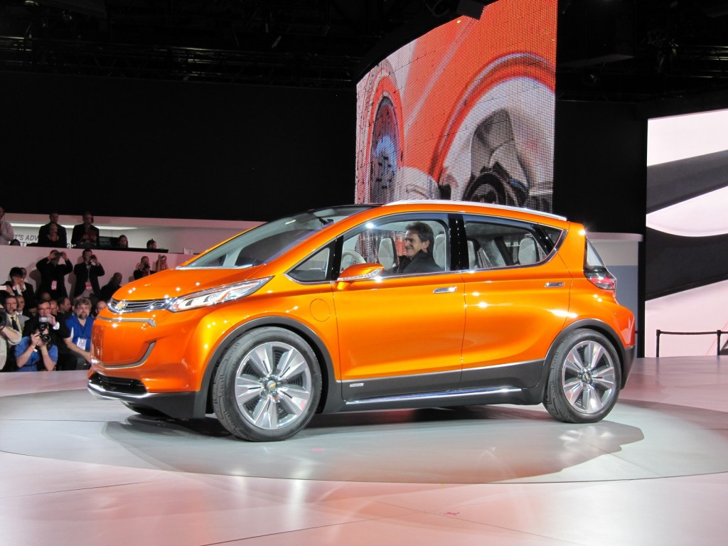 chevrolet bolt concept 200 mile 37 500 electric car concept live video photos. Black Bedroom Furniture Sets. Home Design Ideas