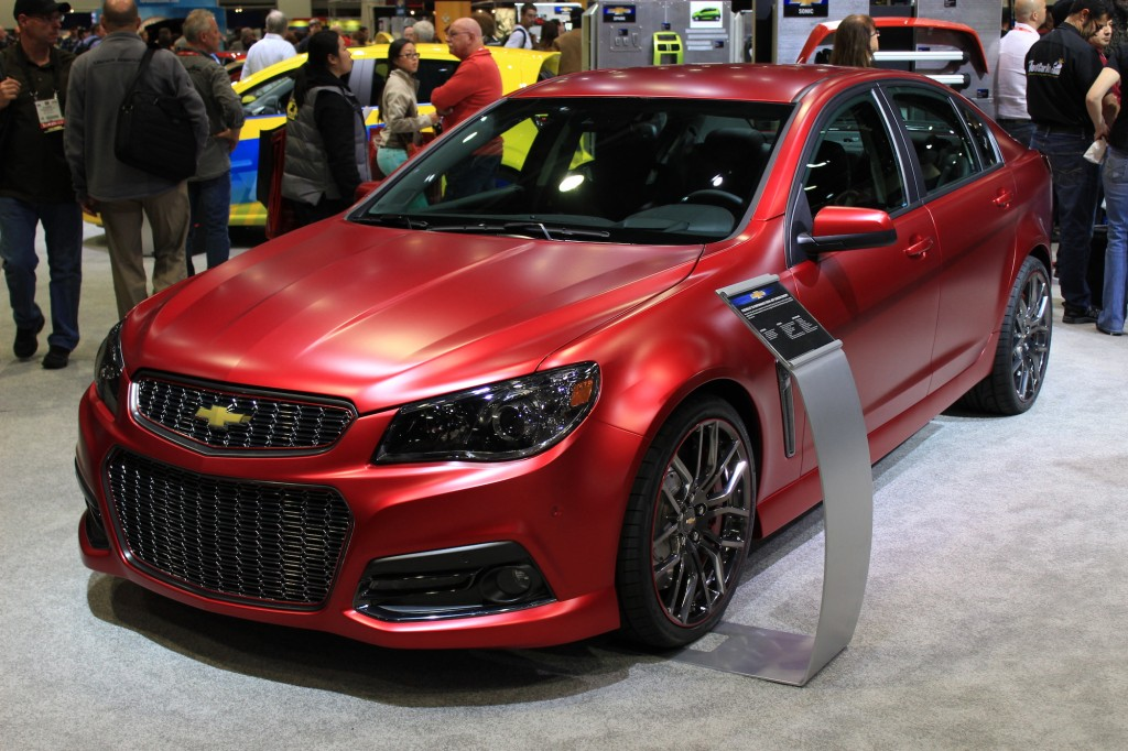 http://images.thecarconnection.com/lrg/chevrolet-ss-performance-sedan-jeff-gordon-concept-2013-sema-show_100445059_l.jpg