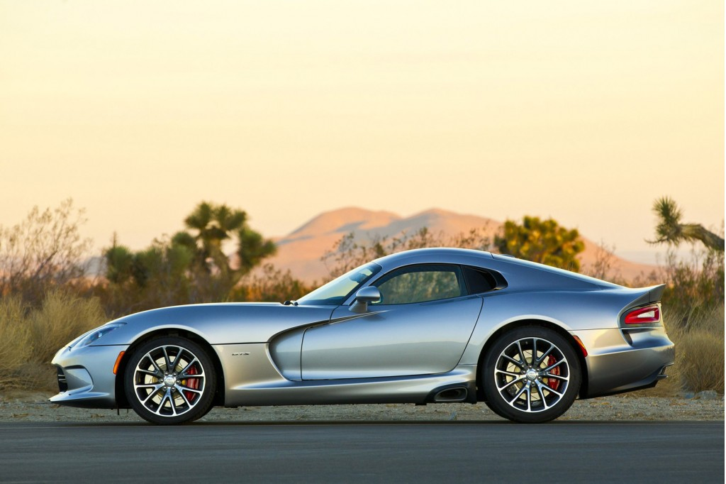 2015 dodge viper srt gets gt and ta 2 0 variants plus more power. Black Bedroom Furniture Sets. Home Design Ideas