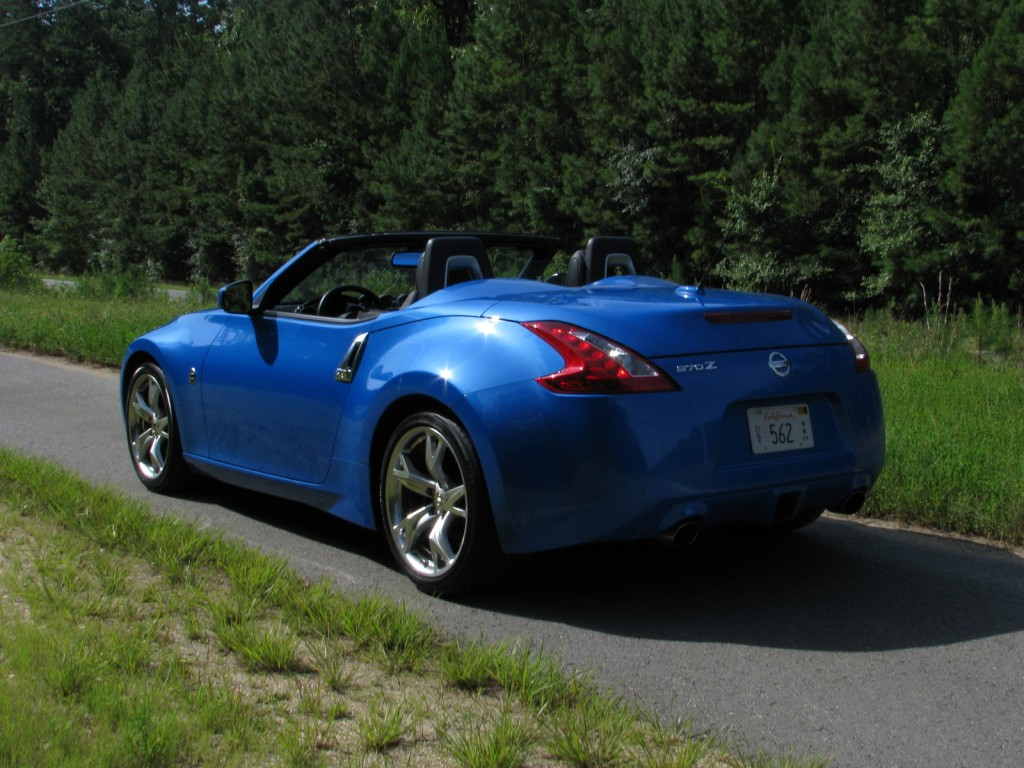 driven 2010 nissan 370z roadster. Black Bedroom Furniture Sets. Home Design Ideas