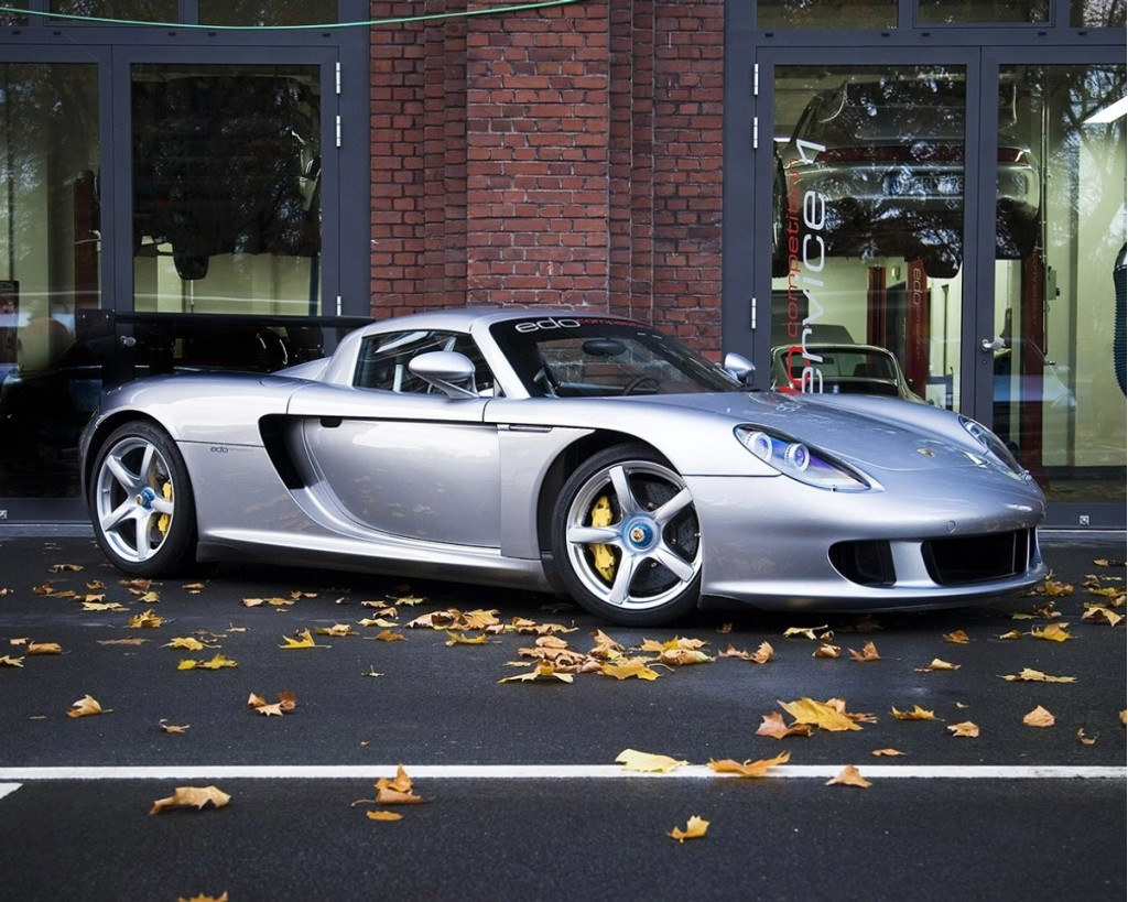 porsche carrera gt v 10 engine for sale for a measly 128 000. Black Bedroom Furniture Sets. Home Design Ideas