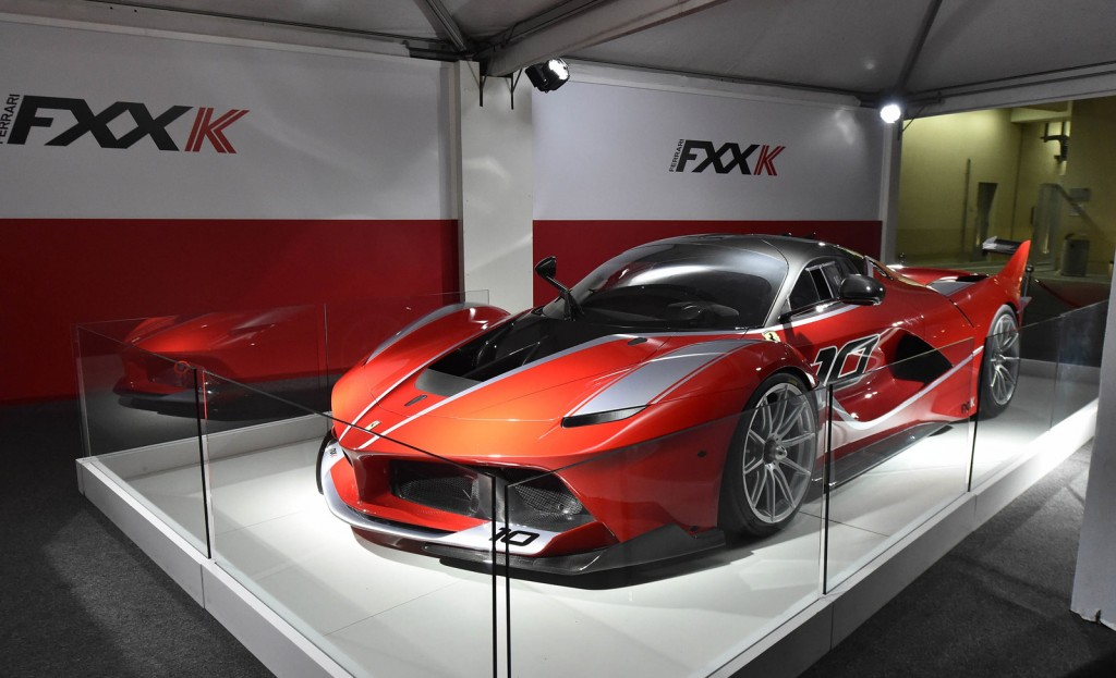 ferrari fxx k new photos and video from abu dhabi debut. Black Bedroom Furniture Sets. Home Design Ideas