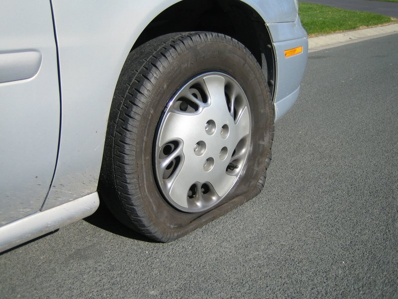 Drive Cars With One Wheel Flat Tire