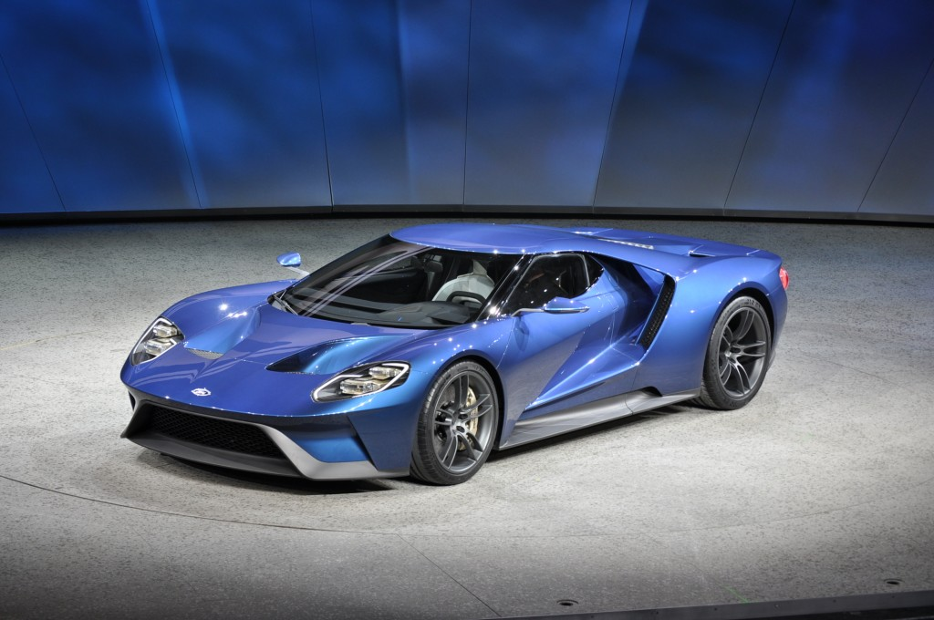 New Ford GT Supercar Revealed At 2015 Detroit Auto Show: Video