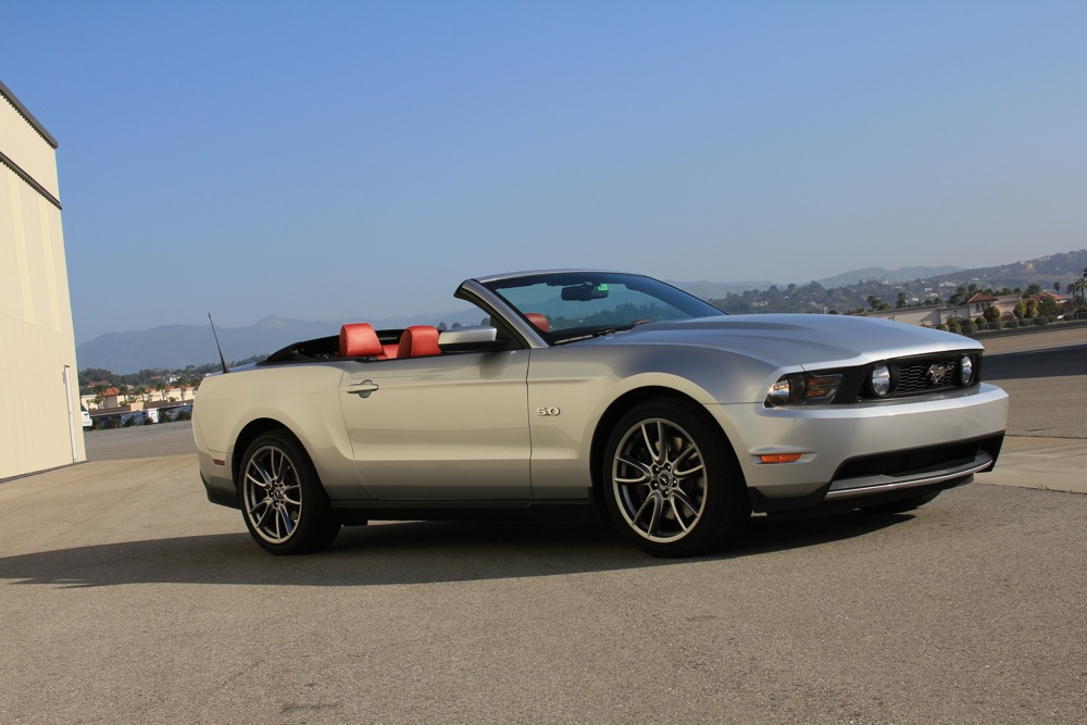 2011 ford mustang gt a performance bargain with brembo package. Black Bedroom Furniture Sets. Home Design Ideas