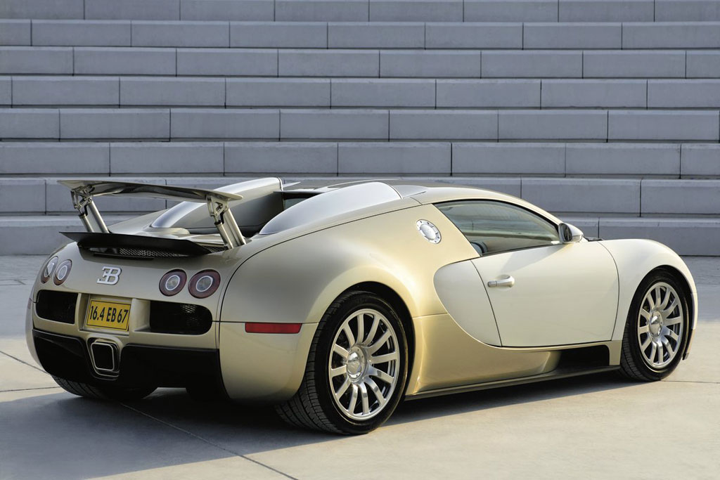 image gold bugatti veyron main 001 size 1024 x 683. Black Bedroom Furniture Sets. Home Design Ideas