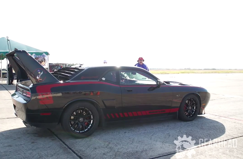1 000 Hp Superbird Rips Down Runway At 194 Mph Video