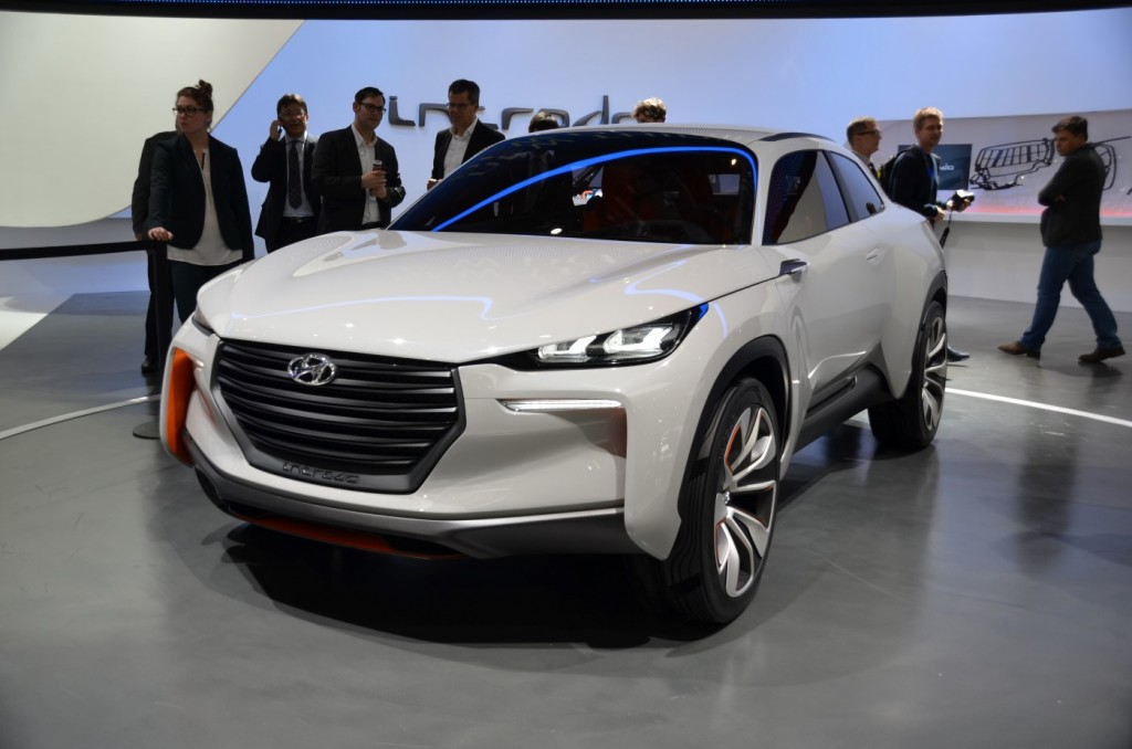 Hyundai intrado fuel cell concept live photos from geneva for What does a motor vehicle report show