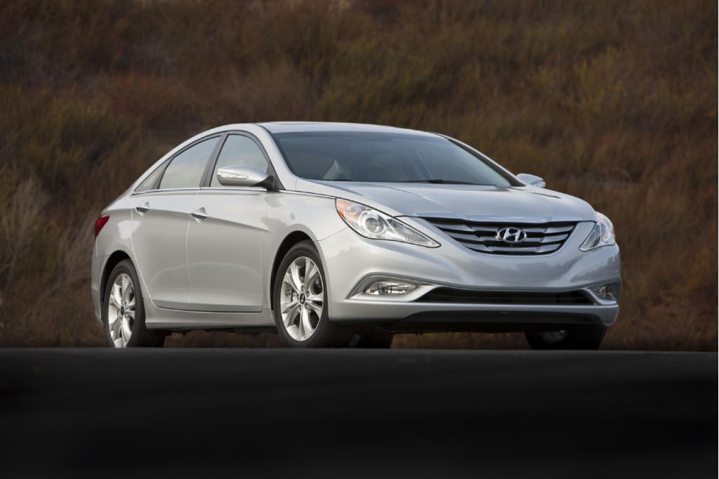 2011 hyundai sonata priced from 19 195. Black Bedroom Furniture Sets. Home Design Ideas