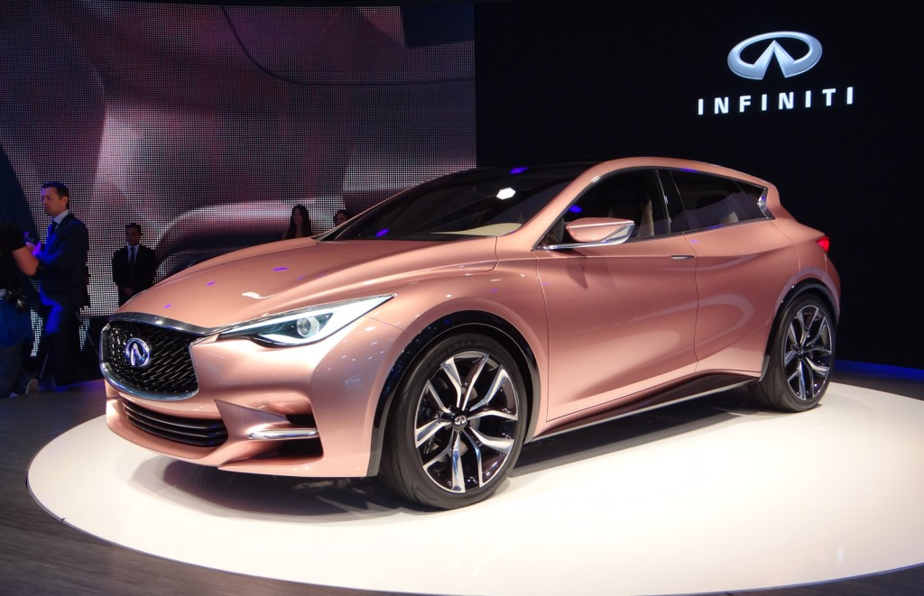 infiniti q30 concept live photos 2013 frankfurt auto show. Black Bedroom Furniture Sets. Home Design Ideas