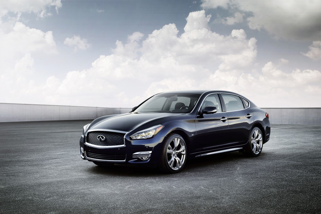 2015 infiniti q70 gets new look long wheelbase model 2014 new york auto show. Black Bedroom Furniture Sets. Home Design Ideas