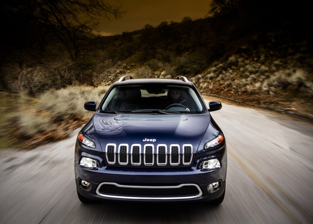 2014 jeep cherokee new greener 4x4 with old name photos. Black Bedroom Furniture Sets. Home Design Ideas