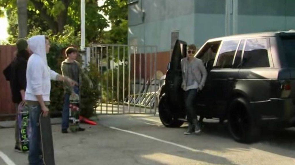 Justin Bieber Spotted With His A Kahn Design Range Rover