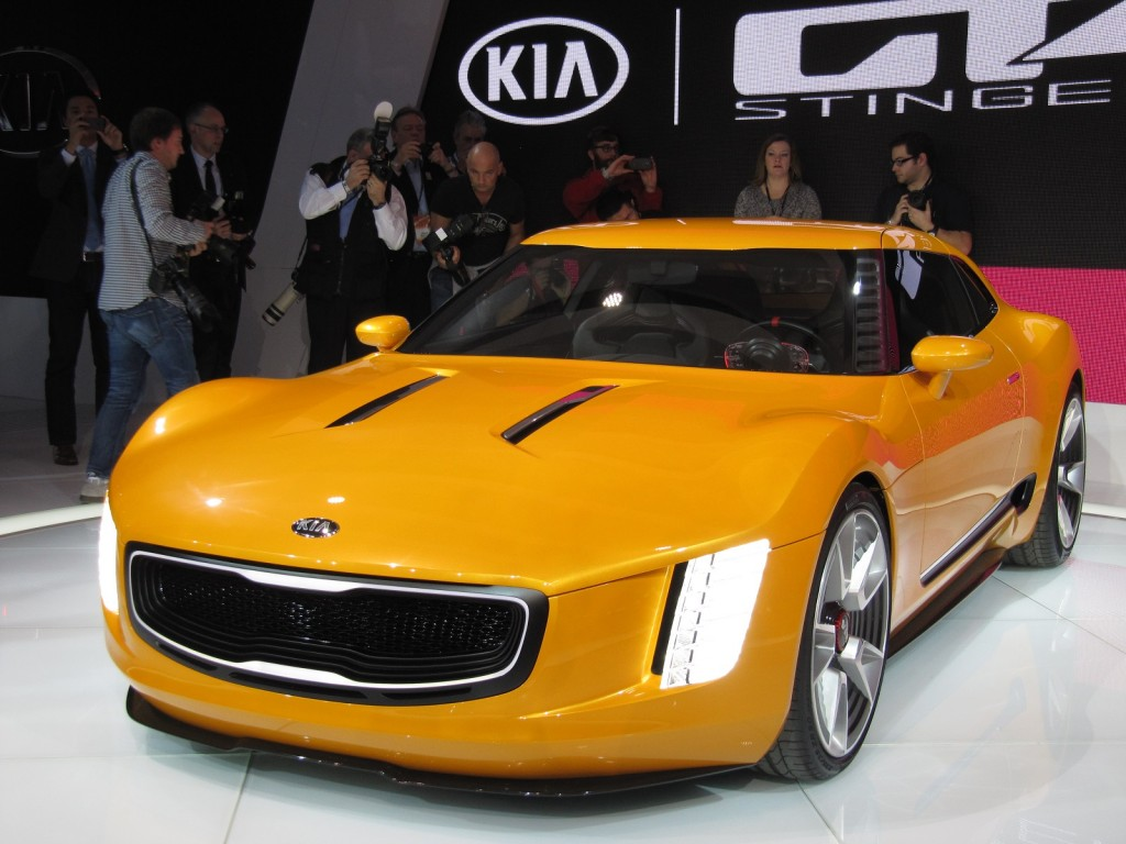 kia gt4 stinger concept at 2014 detroit auto show. Black Bedroom Furniture Sets. Home Design Ideas