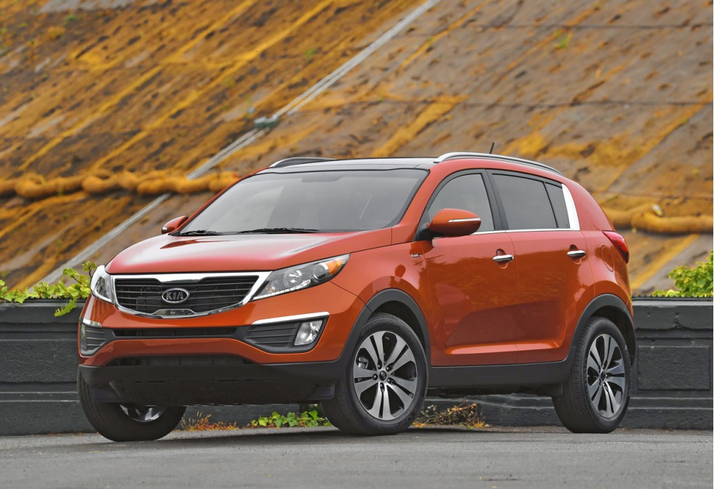 2013 kia sportage pictures photos gallery the car connection. Black Bedroom Furniture Sets. Home Design Ideas