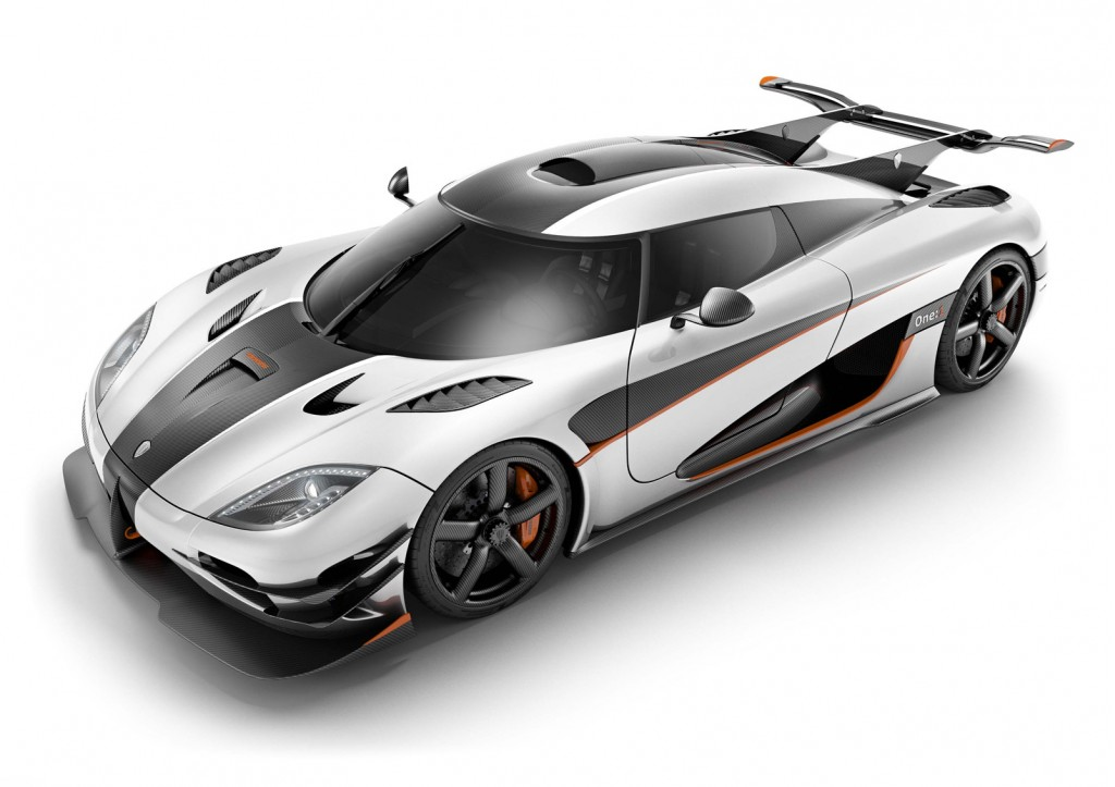 1,340-Horsepower Koenigsegg One:1 Supercar Live Video And