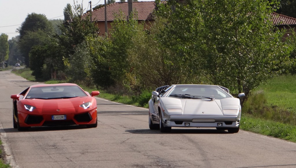 lamborghini aventador and countach on the streets of sant 39 agata video. Black Bedroom Furniture Sets. Home Design Ideas