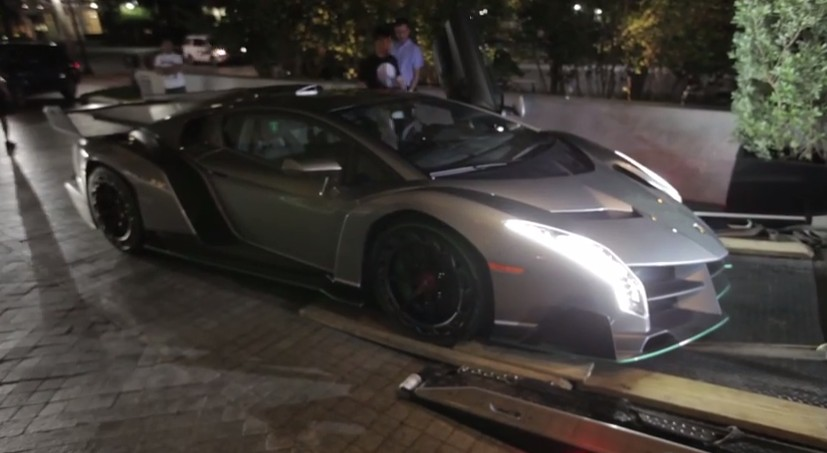How A Lamborghini Veneno Gets Delivered To Its New Owner