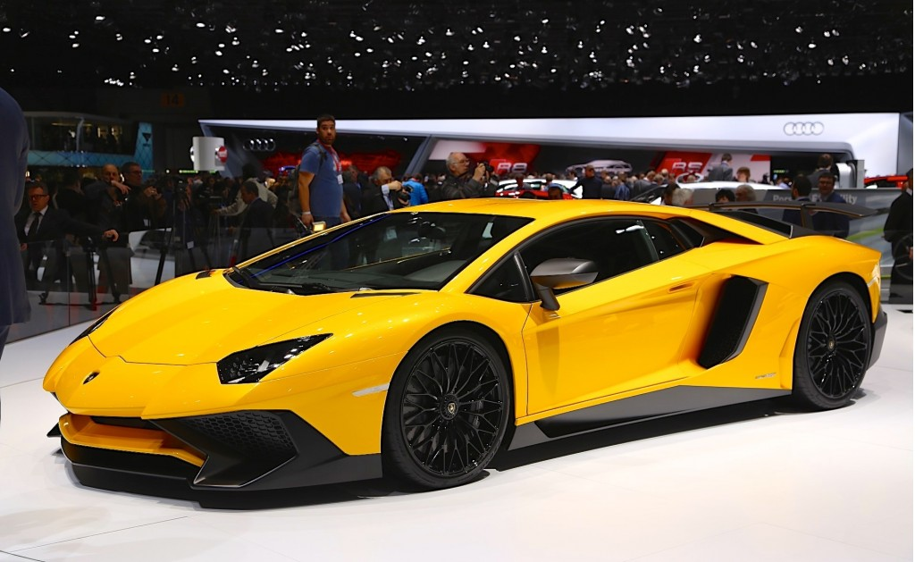 lamborghini limits aventador lp 750 4 sv production to just 600 units. Black Bedroom Furniture Sets. Home Design Ideas