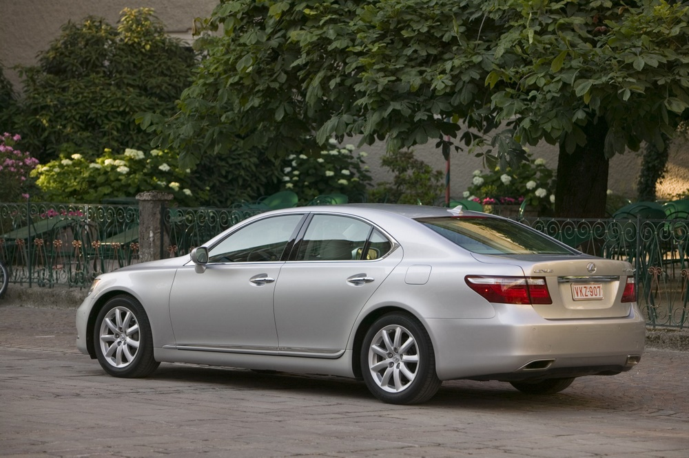 2009 lexus ls 460 pictures photos gallery green car reports. Black Bedroom Furniture Sets. Home Design Ideas