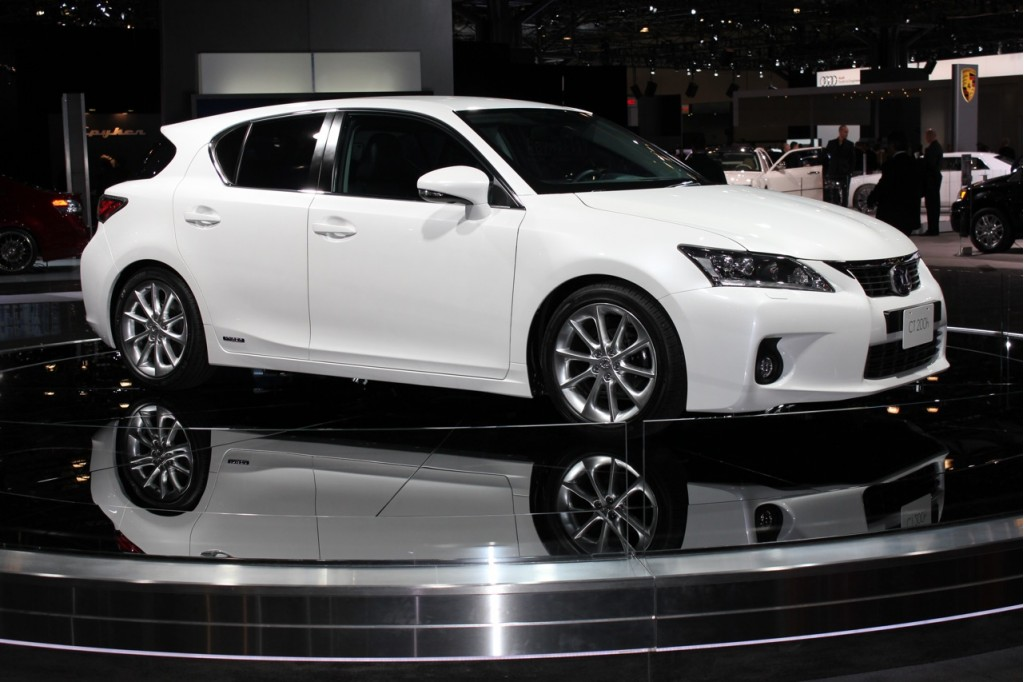 lexus ct 200h may spawn plug in hybrid version. Black Bedroom Furniture Sets. Home Design Ideas