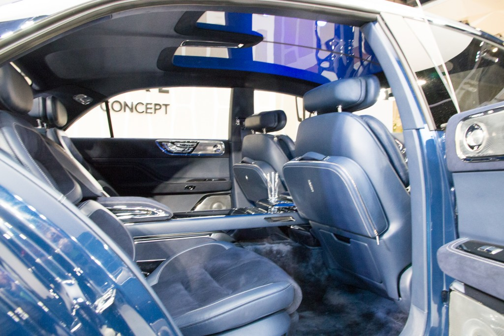lincoln continental concept debuts at the 2015 new york 2016 car release. Black Bedroom Furniture Sets. Home Design Ideas